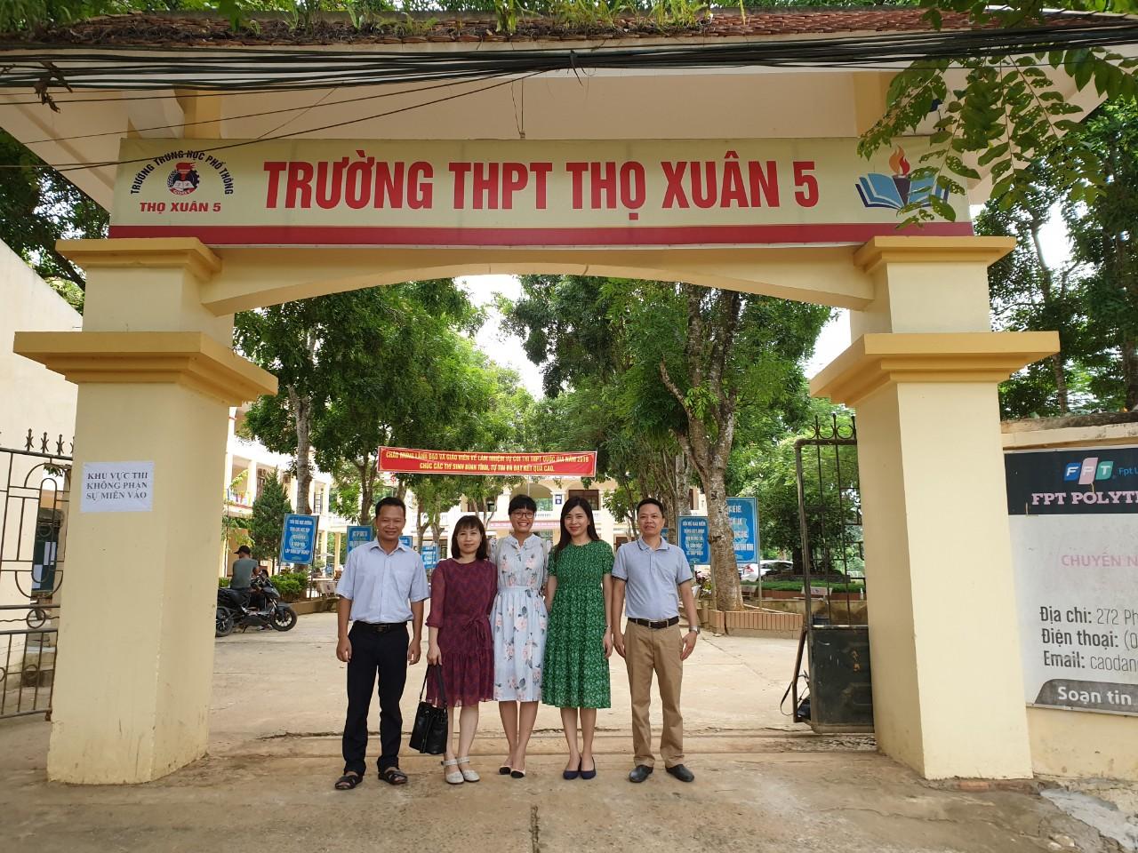CBVC Trung tâm đào tạo Sau đại học tham gia công tác coi thi Kỳ thi THPT Quốc Gia năm 2019 tại Thanh Hóa.