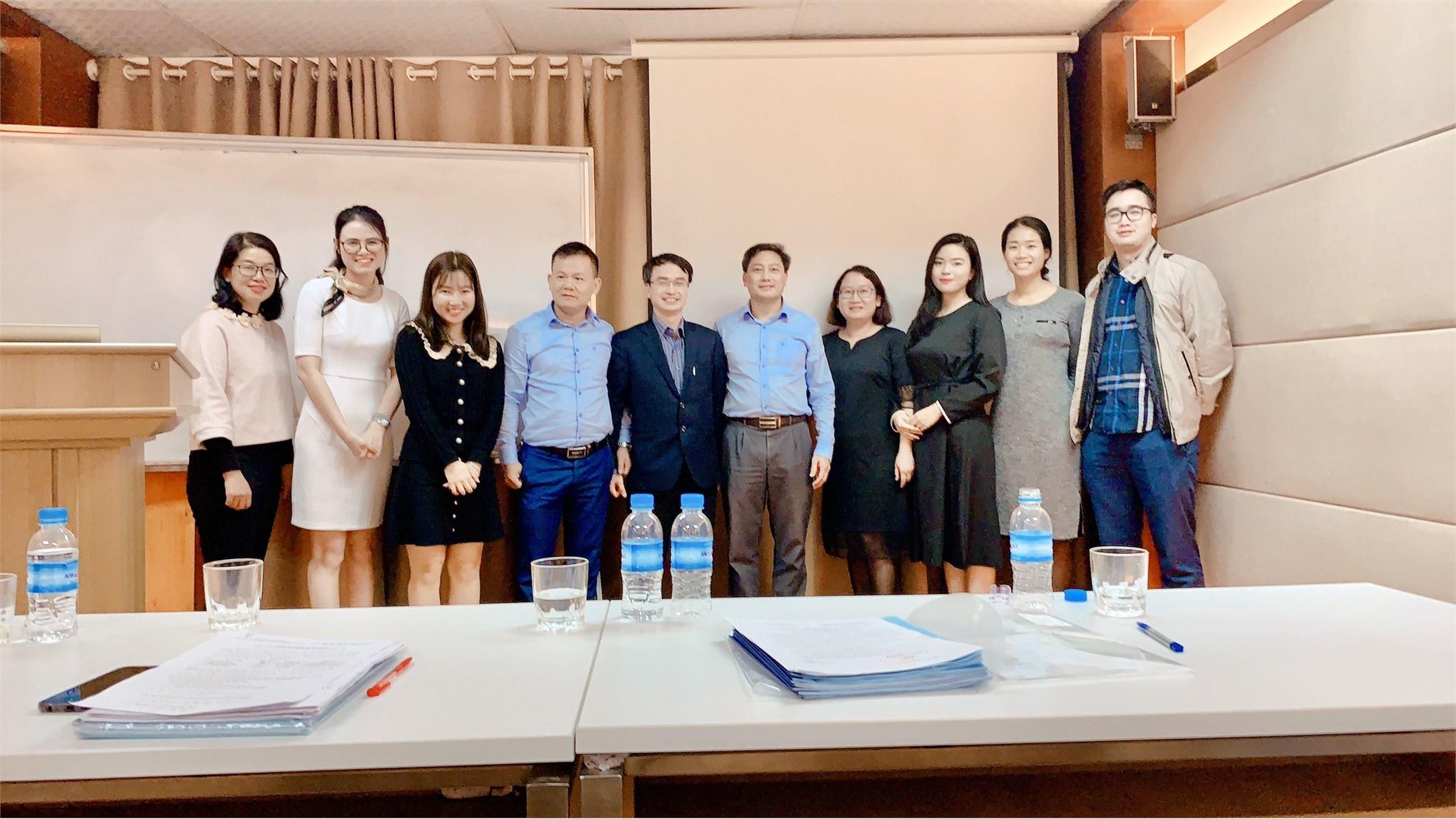 Tổ chức thẩm định đánh giá đề cương luận văn thạc sĩ – Ngành Quản trị kinh doanh cho học viên lớp Cao học QTKD - Khóa 8 đợt 2 (2018-2020).