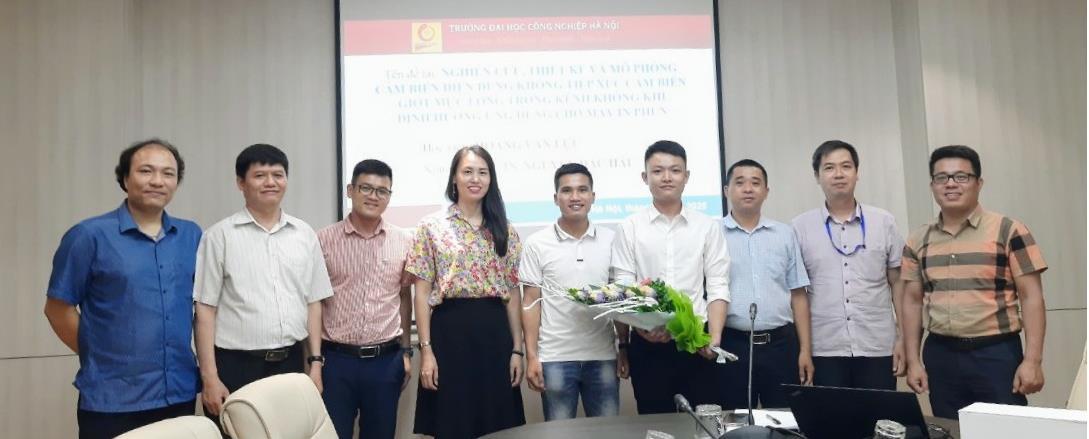 Tổ chức đánh giá luận văn thạc sĩ cho học viên cao học ngành Kỹ thuật điện tử - Khóa 8 đợt 1 (2018-2020)