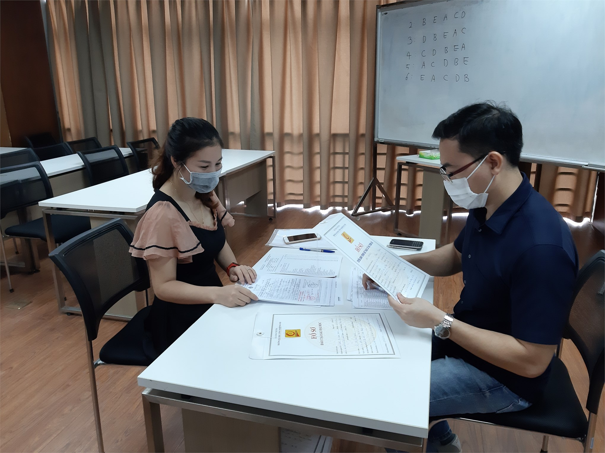 Tổ chức nhập học các lớp Cao học khóa 10 đợt 1 niên khóa 2020-2022.