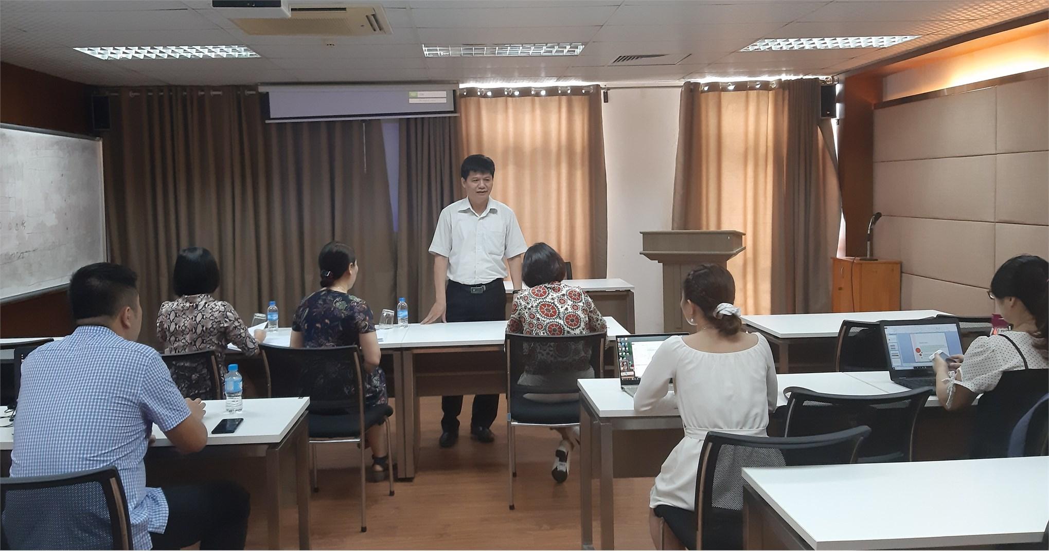 Tổ chức thẩm định đánh giá đề cương luận văn thạc sĩ – ngành Ngôn ngữ Anh - Cao học Khóa 9 (2019-2021)