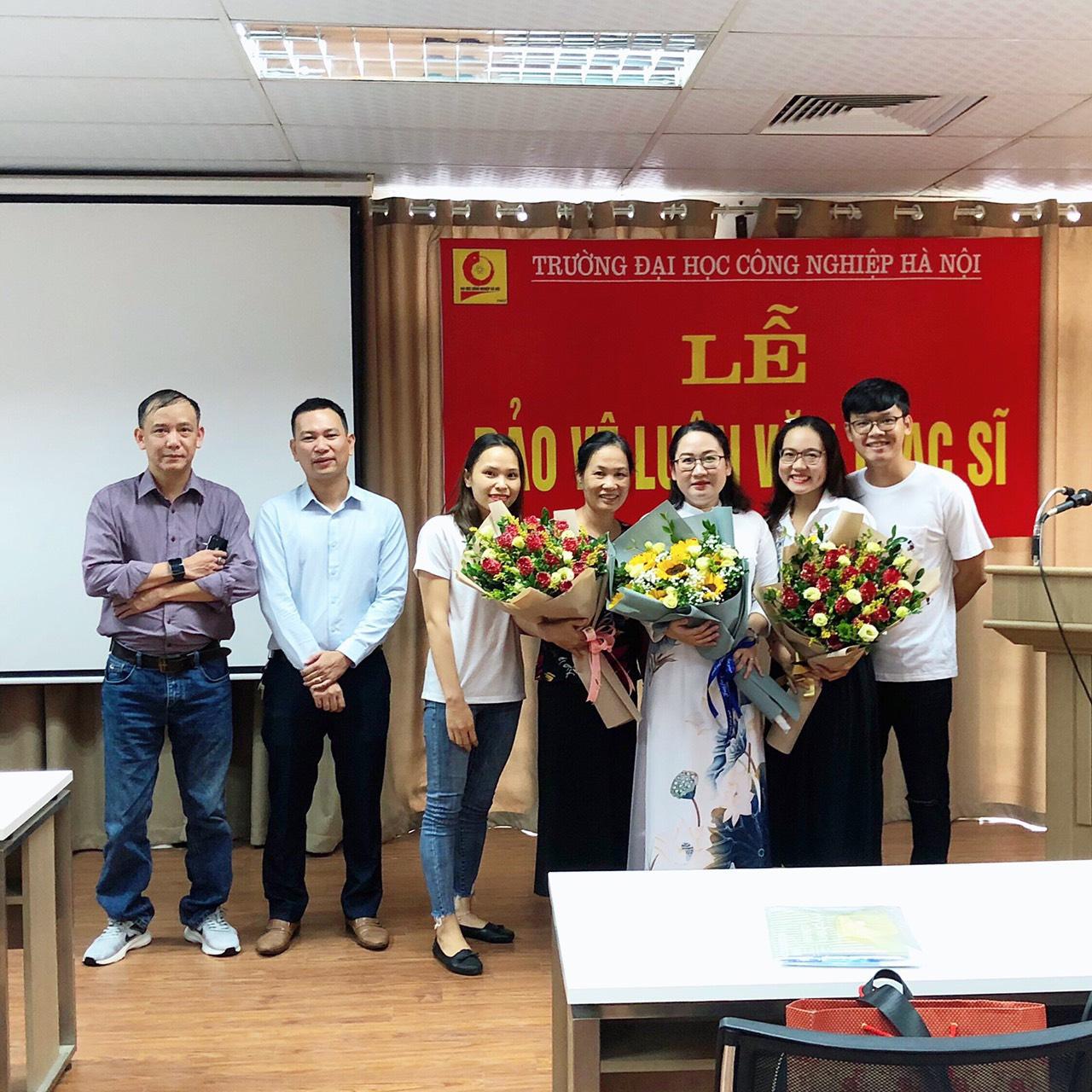 Tổ chức Lễ bảo vệ luận văn thạc sĩ cho học viên cao học ngành Quản trị kinh doanh – Khóa 8 đợt 2 (2018-2020).
