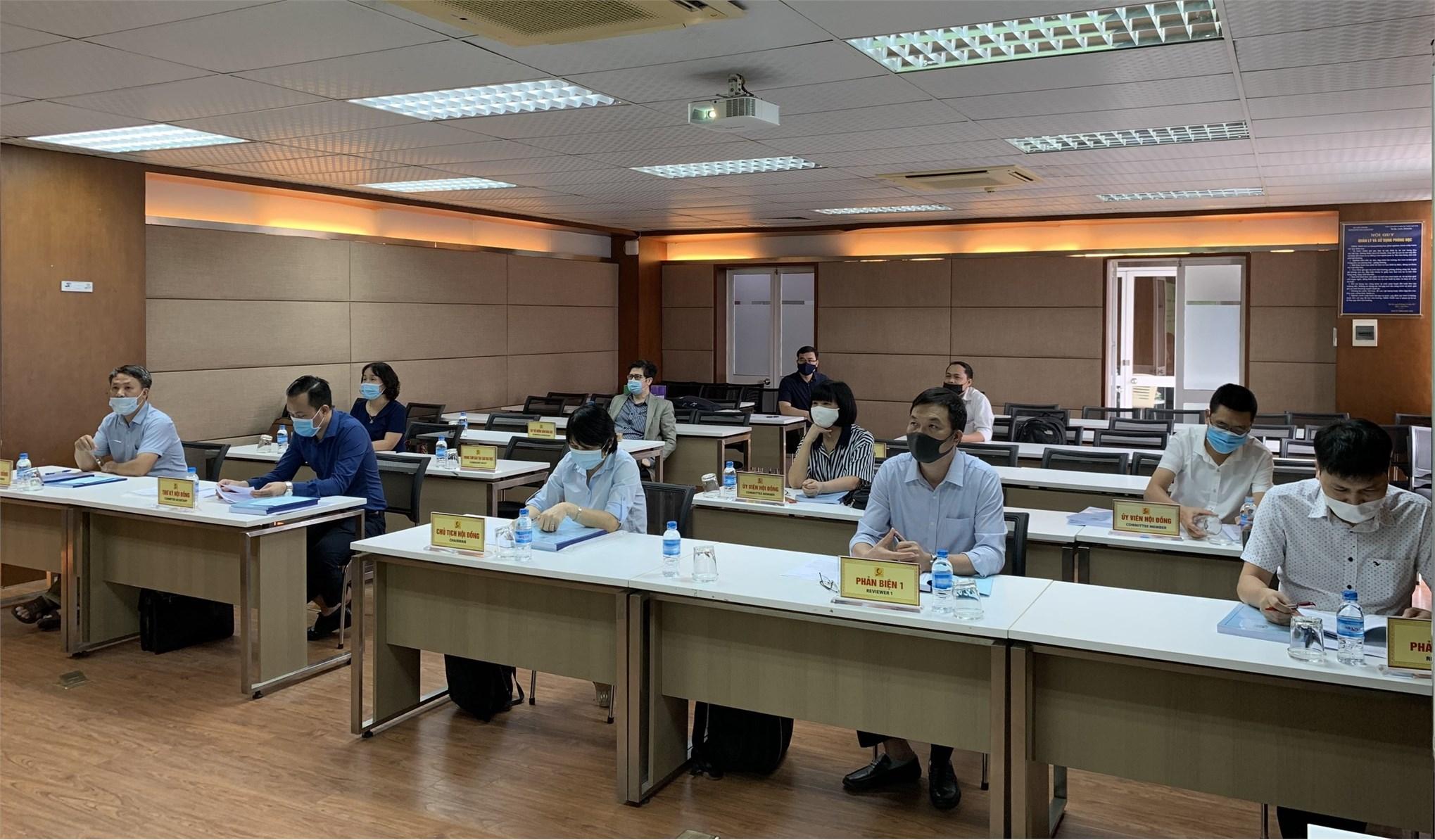 Tổ chức bảo vệ luận án tiến sĩ cấp đơn vị chuyên môn cho NCS Nguyễn Văn Thắng, chuyên ngành Kỹ thuật Hóa học